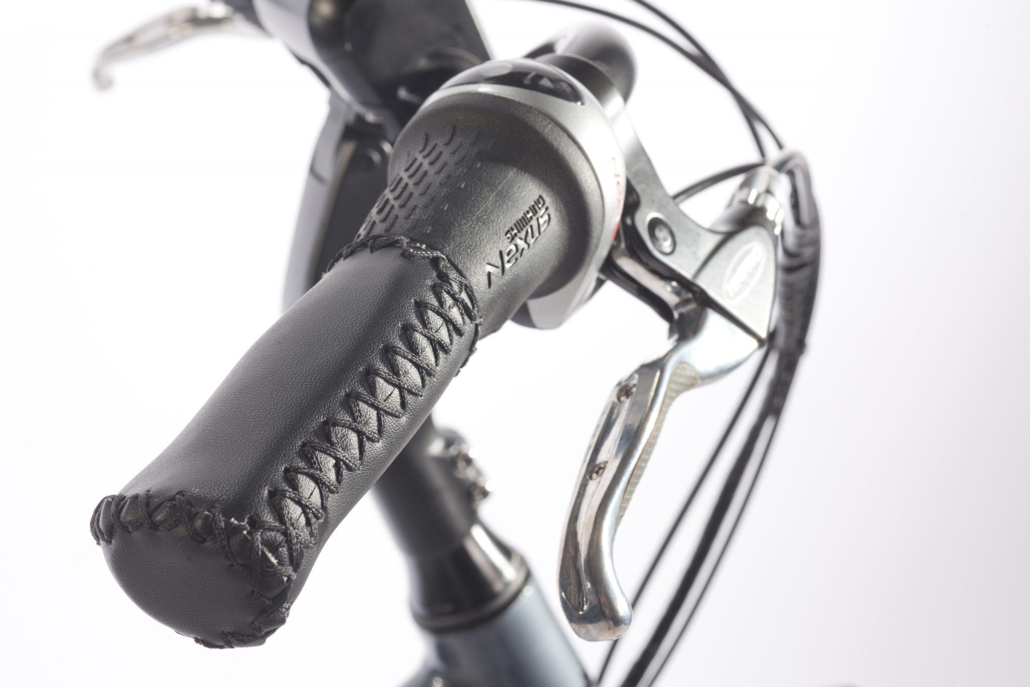 De Huyser Gen1 is voorzien van de nieuwste generatie Shimano Rollerbrakes voor een goede remwerking, met simpelweg weinig kracht kunt u de fiets gemakkelijk tot stilstand brengen.