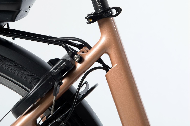 Met de robuuste bagagedrager op de Huyser Gen Belt Enviolo kunt u met gemak tot 25kg bagage mee sjouwen. Boodschappen doen met deze robuuste fiets is geen enkel probleem.